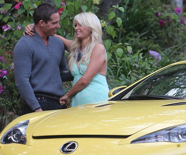 Yellow Lexus LFA & Paris Hilton