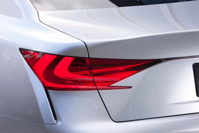 Lexus LF-Gh Teaser Rear