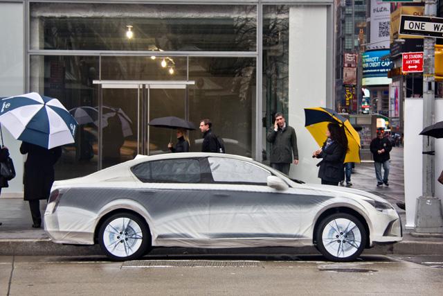 Lexus LF-Gh Pencil Wrap