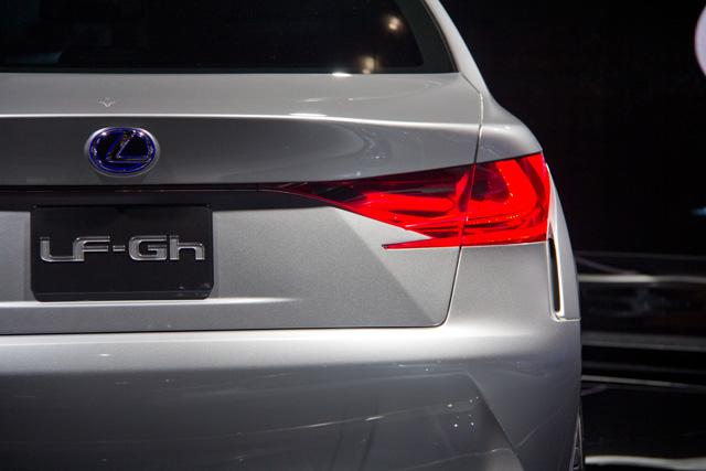 Lexus LF-Gh Rear Detail