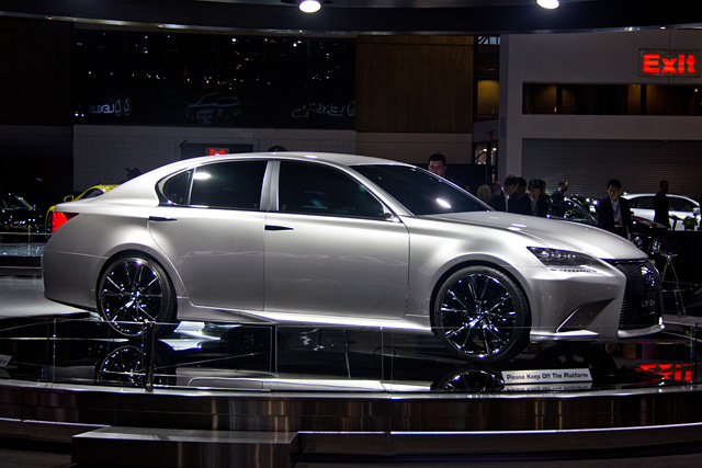 Lexus LF-Gh Side