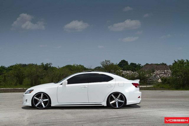 Lexus IS with Vossen VVS-CV3 Wheels Side Profile