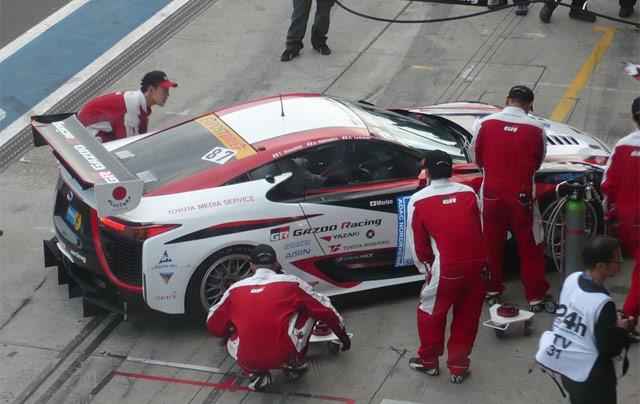Lexus LFA in Nürburgring Pitstop