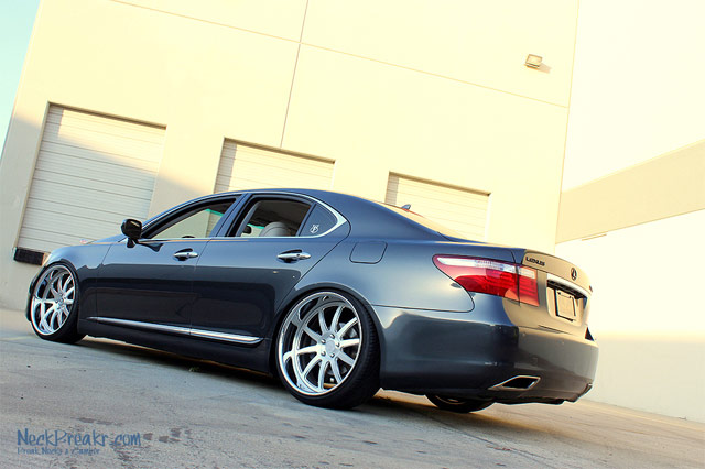 Lexus LS 460 on Phantom Forged III Wheels