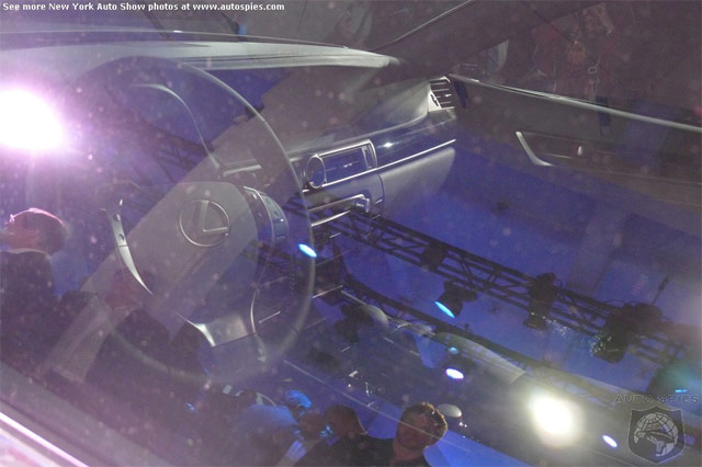 Lexus LF-Gh Interior