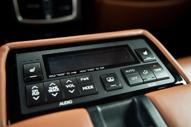 2013 Lexus GS Rear Control Panel Closeup