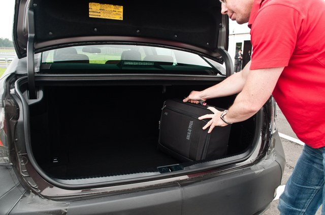 2013 Lexus GS Trunk Space