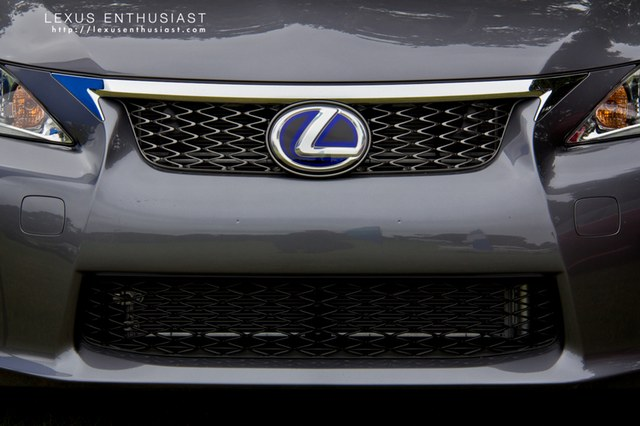 2012 Lexus CT 200h F-Sport Grille