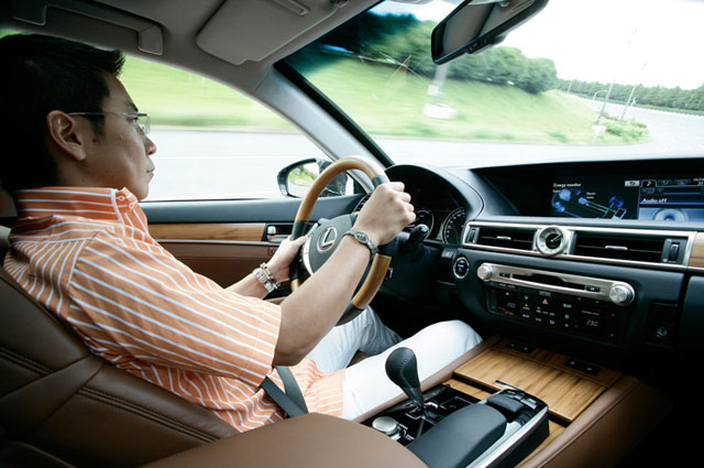2013 Lexus GS Bamboo Interior