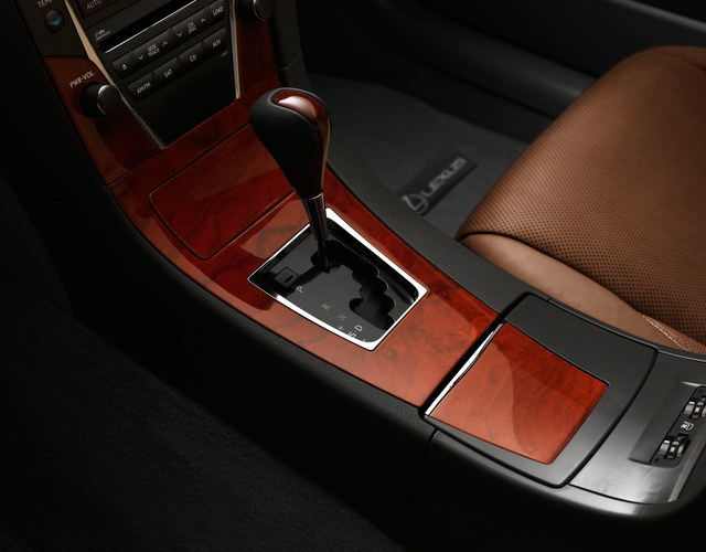Lexus ES 350 Special Edition Gear Shift