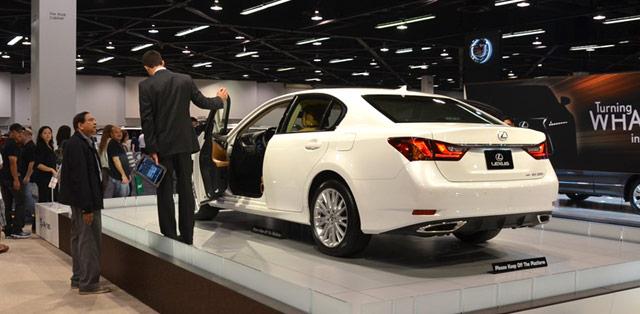 New Lexus GS in Starfire Pearl