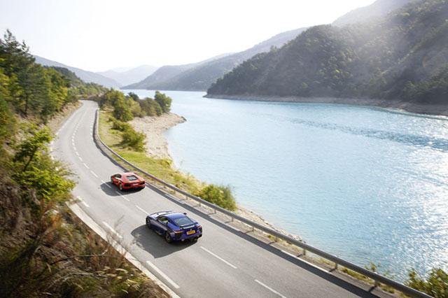 Lexus LFA vs Lamborghini Aventador