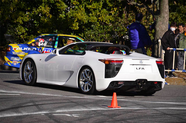 Lexus LFA Roadster Side