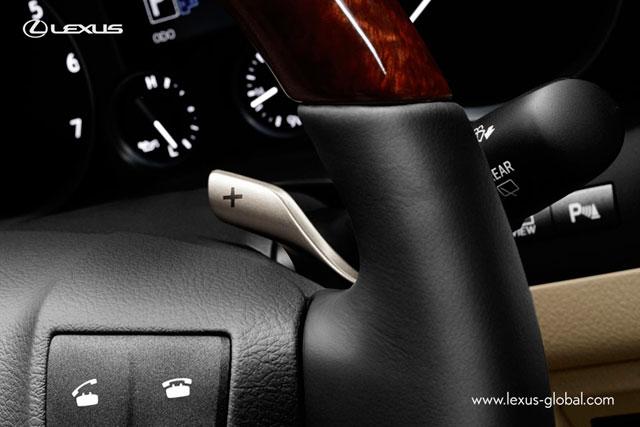 2013 Lexus LX 570 Paddle Shifters