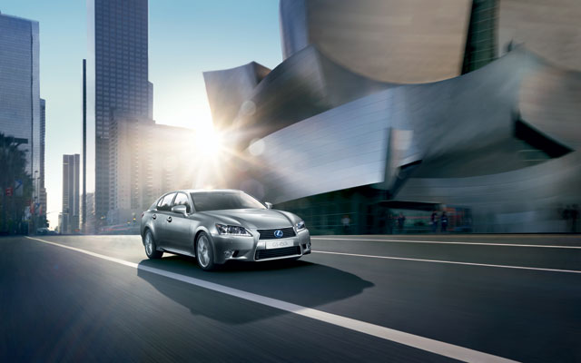 2013 Lexus GS 450h Desktop Wallpaper 2
