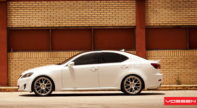 Lexus IS Vossen