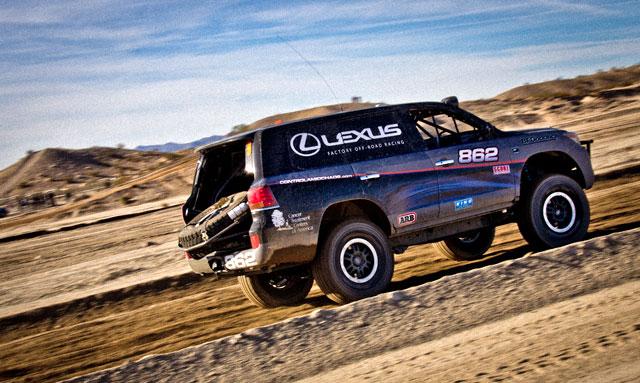 Lexus LX Action 3