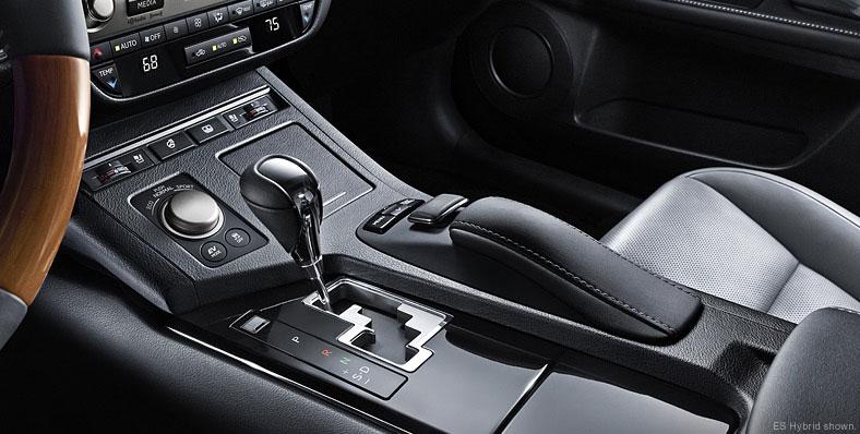 2013 Lexus ES Remote Touch