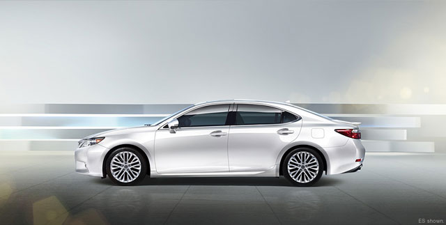 2013 Lexus ES Side Profile