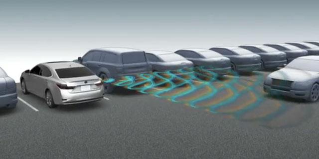 Lexus ES 350 Rear Cross Traffic Alert