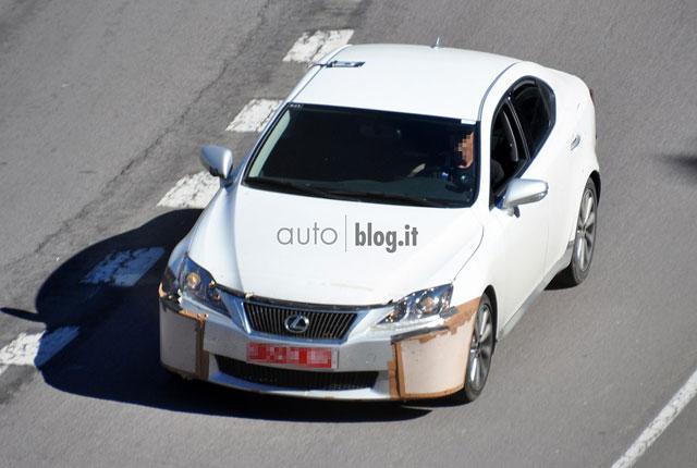 2014 Lexus IS Mule Front
