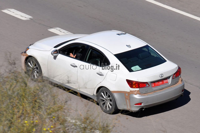 2014 Lexus IS Mule Side