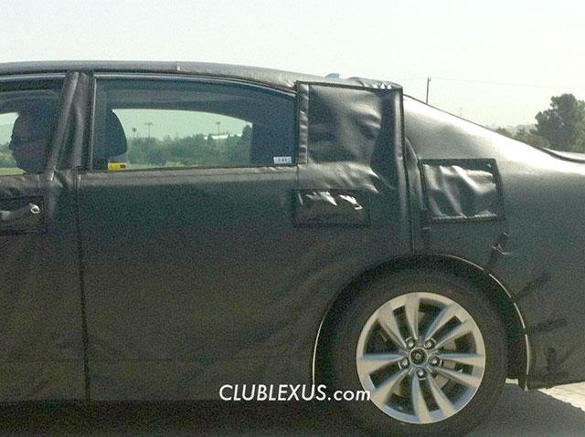 2013 Lexus LS Closeup