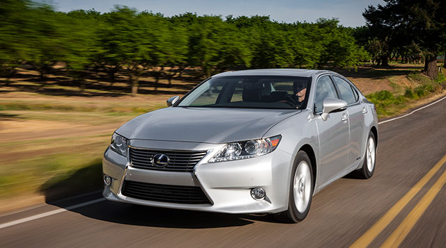 Lexus ES 300h Exterior Photo Gallery