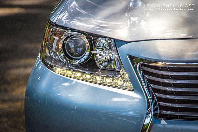 2013 Lexus ES Kink