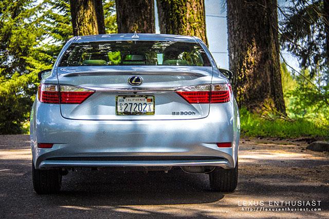 2013 Lexus ES Rear