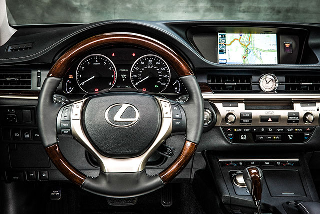 2013 Lexus ES 350 Steering Wheel