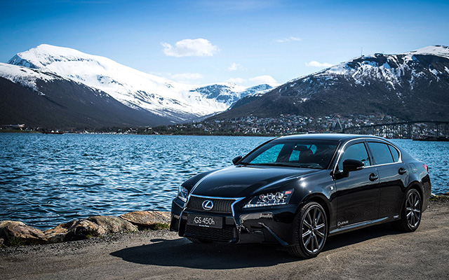 Lexus GS 450h F SPORT Desktop Wallpaper