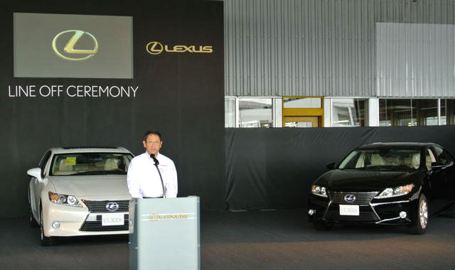 Lexus ES Line Off Ceremony