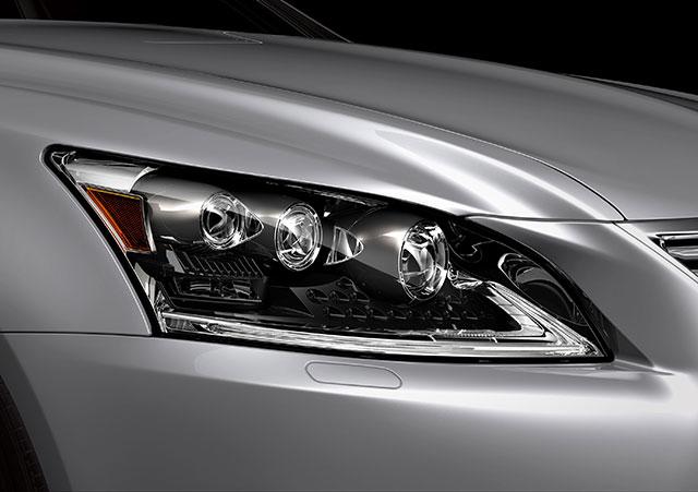 2013 Lexus LS Headlight