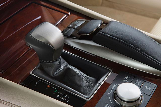 2013 Lexus LS Remote Touch