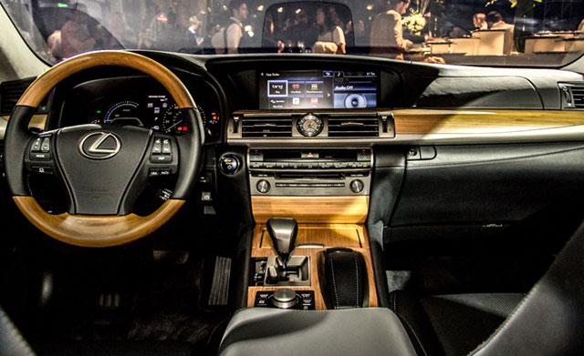 2013 Lexus LS 600hL Interior