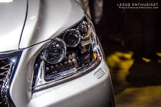 2013 Lexus LS F SPORT Headlights