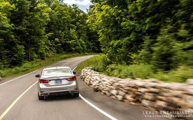 2013 Lexus GS Summer Road Trip Desktop Wallpaper 1