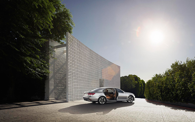 2013 Lexus LS Desktop Wallpaper