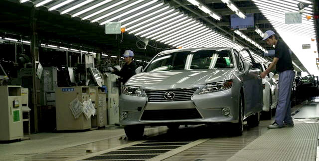 2013 Lexus ES Production