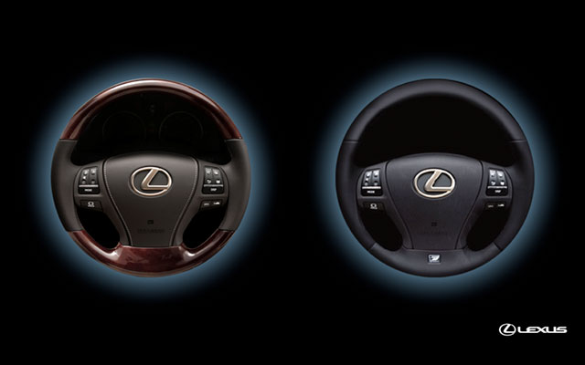 2013 Lexus LS Steering Wheels