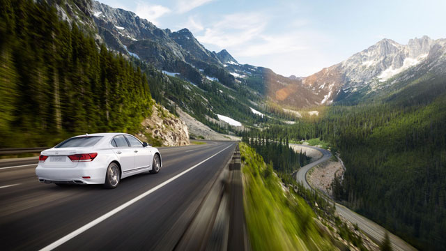 2013 Lexus LS on a Mountain