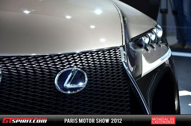 Lexus LF-CC Grille Detail
