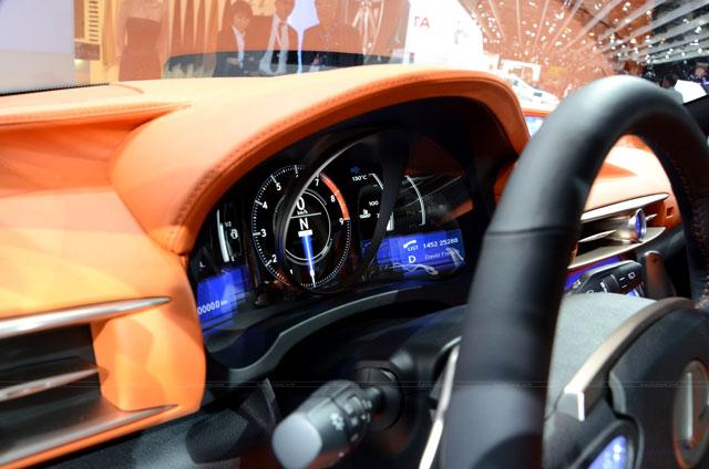 Lexus LF-CC Interior Gauge