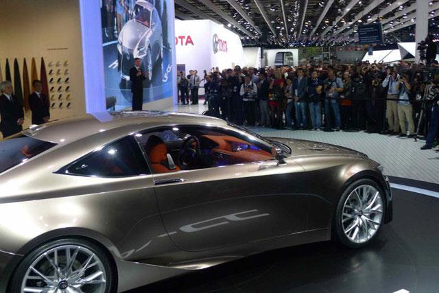 Lexus LF-CC Coupe Paris Motor Show