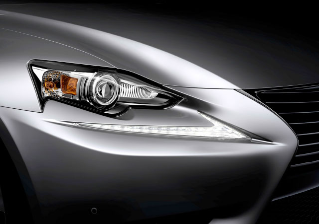 Lexus IS HID Headlights