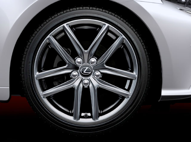 Lexus IS F SPORT Wheel Design