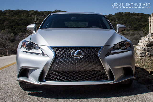 Lexus IS F SPORT Grille