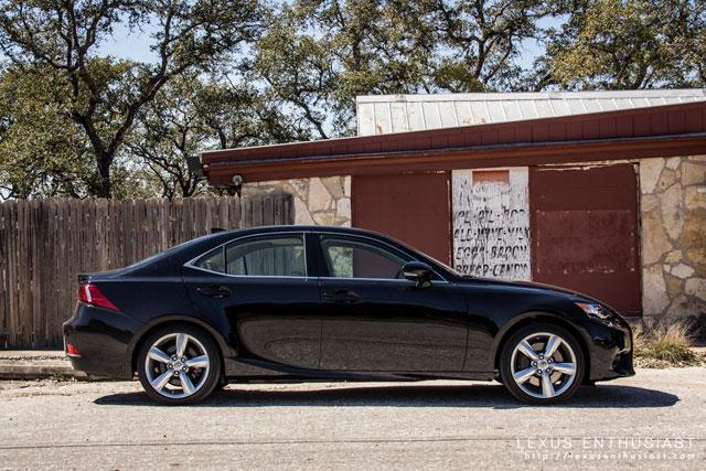 2014 Lexus IS Side Profile