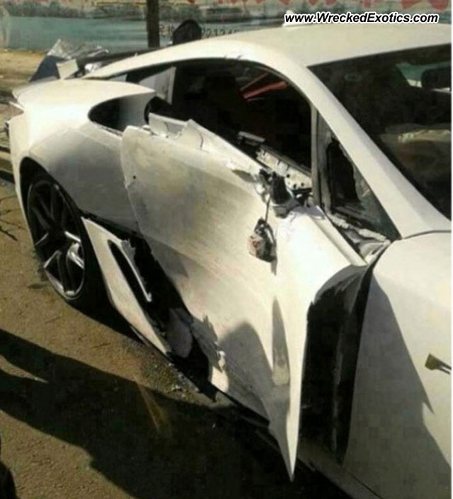 Lexus LFA Crashed in China